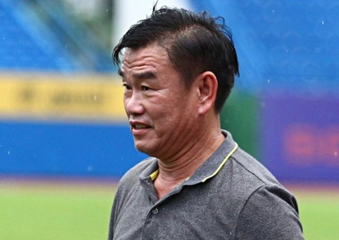 HLV Phan Thanh Hung: 'Toi van con mau lam' hinh anh