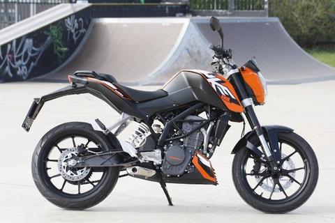 KTM Duke 125 chinh hang gia khoang 6.000 USD tai VN hinh anh