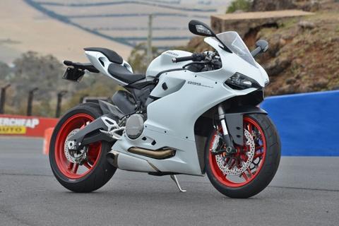 Ducati 899 Panigale gia gan 600 trieu ra mat khach hang VN hinh anh