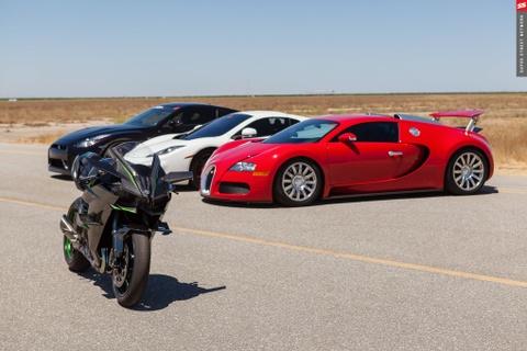 Sieu moto Kawasaki Ninja H2R danh bai Bugatti Veyron do hinh anh