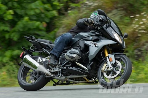 BMW R1200RS 2016: Dong co Boxer truyen thong huong the thao hinh anh
