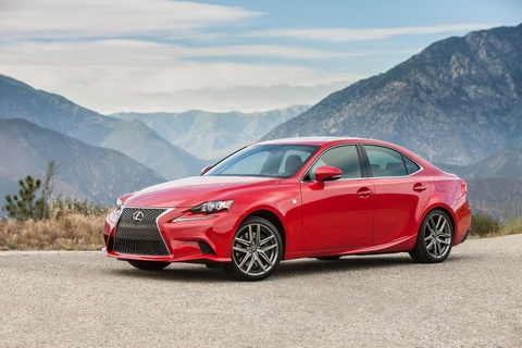 Lexus IS 2016 them tuy chon dong co cho khach My hinh anh