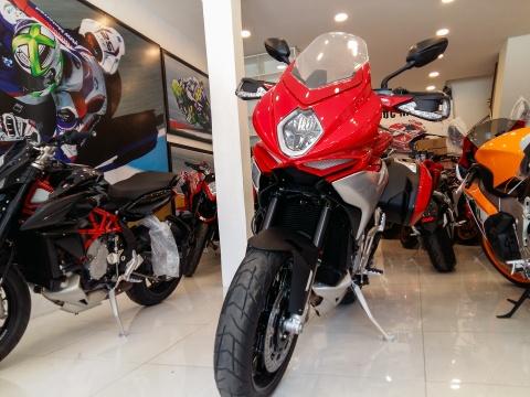 Moto Italy hang hiem doc nhat ve Viet Nam hinh anh