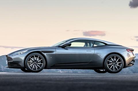 Lo anh xe the thao Aston Martin DB11 chuan bi ra mat hinh anh