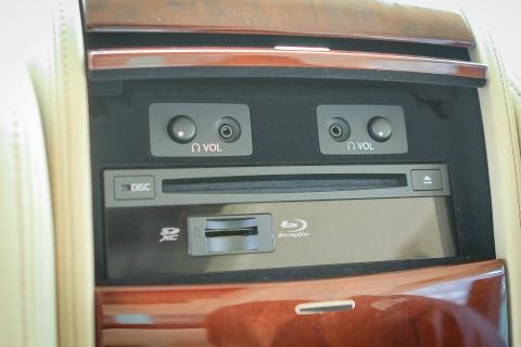 Lexus LS460L 2016 tai Ha Noi hinh anh 13