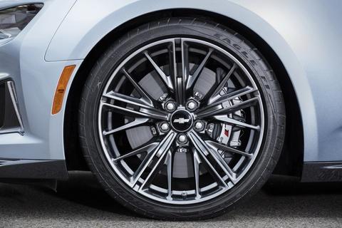 Xe the thao Chevrolet Camaro ZL1 cong suat 640 ma luc hinh anh 5