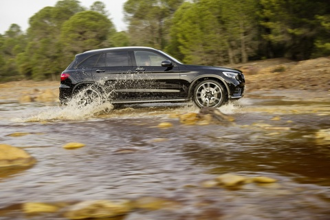 Mercedes-AMG GLC 43 4MATIC moi co cong suat 362 ma luc hinh anh 5