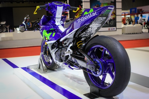 Chi tiet Exciter 150 do phong cach sieu moto YZR-M1 hinh anh 2