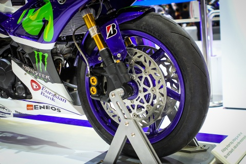 Chi tiet Exciter 150 do phong cach sieu moto YZR-M1 hinh anh 4