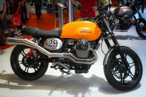 Moto Guzzi V7 II Scrambler canh tranh Ducati Scrambler o VN hinh anh