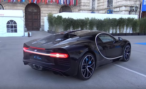 Tieng po sieu xe Bugatti Chiron hinh anh