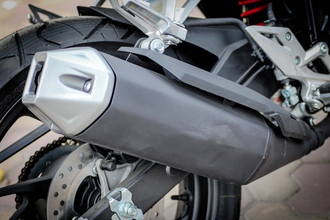 Honda CBR150R 2016 tai VN: the thao hon, giong Yamaha R15 hinh anh 12