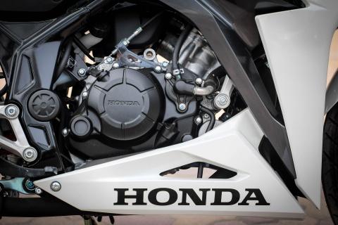 Honda CBR150R 2016 tai VN: the thao hon, giong Yamaha R15 hinh anh 15
