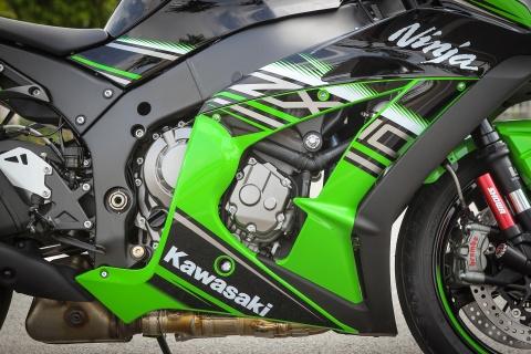 Kawasaki ZX-10R 2016 dau tien tai Ha Noi gia hon 500 trieu hinh anh 9