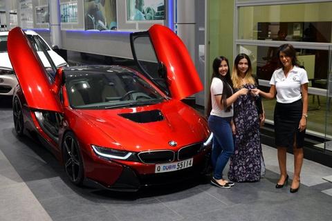 BMW i8 doc nhat vo nhi cua cong chua Abu Dhabi hinh anh 1