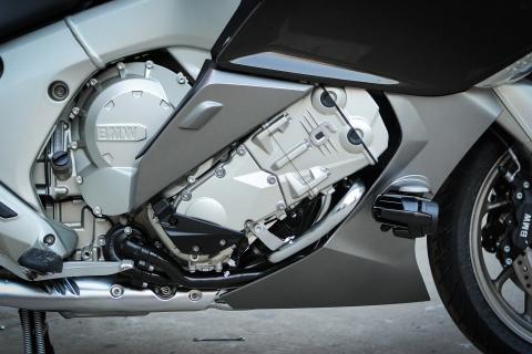 Moto duong truong BMW 1.650 phan khoi ve Ha Noi hinh anh 10