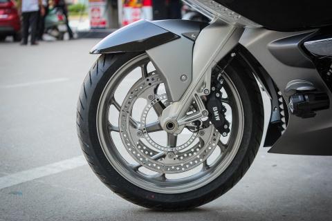 Moto duong truong BMW 1.650 phan khoi ve Ha Noi hinh anh 8