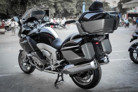 Moto duong truong BMW 1.650 phan khoi ve Ha Noi hinh anh 2