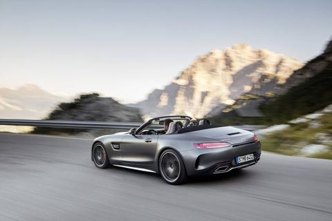 Mercedes trinh lang xe mui tran GT C Roadster AMG 2017 hinh anh 1