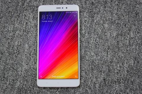 Xiaomi Mi 5s Plus dau tien ve Viet Nam gia hon 10 trieu hinh anh 2