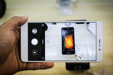 Xiaomi Mi 5s Plus dau tien ve Viet Nam gia hon 10 trieu hinh anh 10