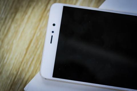 Xiaomi Mi 5s Plus dau tien ve Viet Nam gia hon 10 trieu hinh anh 11