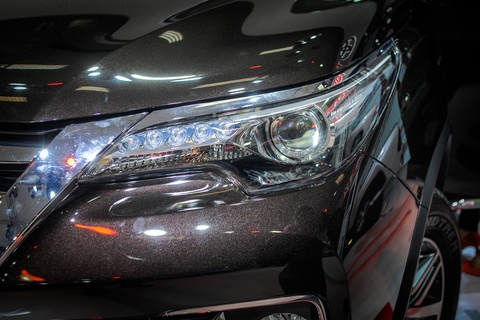 Chi tiet Toyota Fortuner 2017: Them nhieu cong nghe an toan hinh anh 3