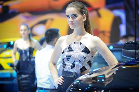 Dan chan dai tai Vietnam Motor Show 2016 hinh anh 14