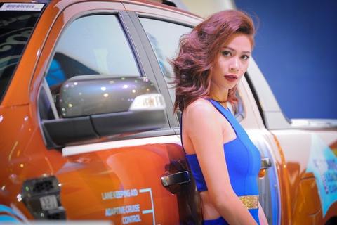 Dan chan dai tai Vietnam Motor Show 2016 hinh anh 12