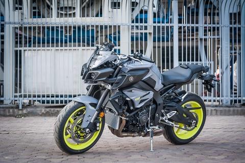 Moto Yamaha 1.000 phan khoi mau doc tai Ha Noi hinh anh 3