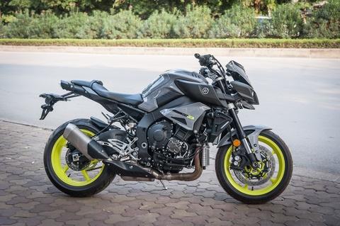 Moto Yamaha 1.000 phan khoi mau doc tai Ha Noi hinh anh 2