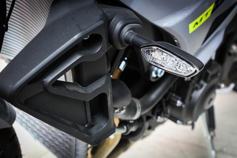 Moto Yamaha 1.000 phan khoi mau doc tai Ha Noi hinh anh 8