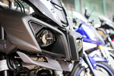 Moto Yamaha 1.000 phan khoi mau doc tai Ha Noi hinh anh 5