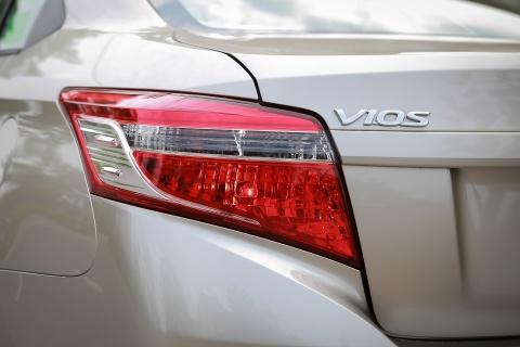 Toyota Vios 1.5E CVT 2016 gia 588 trieu hinh anh 6