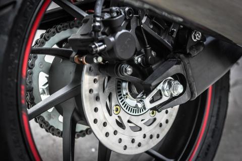 Honda CB400 Super Four SE gia hon 300 trieu tai Ha Noi hinh anh 8
