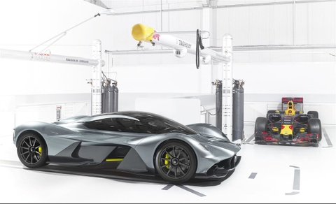 Aston Martin AM-RB 001 dat toc do toi da 400 km/h hinh anh