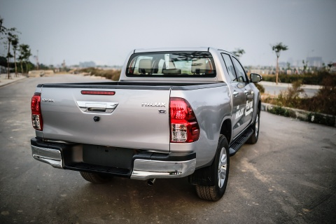 Anh Toyota Hilux 2.8G 2016 gia 870 trieu dong hinh anh 5