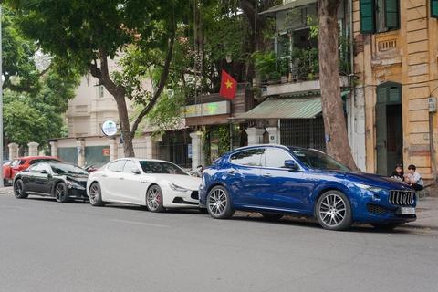 Dai gia Ha Noi khoe dan xe Maserati dip cuoi tuan hinh anh