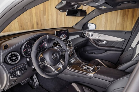Mercedes GLC 63 AMG 2018 cong suat tu 476 ma luc hinh anh 8