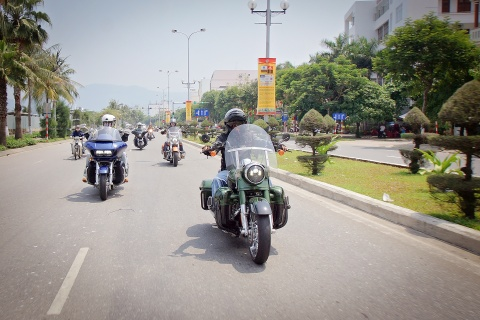 Biker Viet chay Sai Gon ra Ha Noi trong 3 ngay hinh anh 2