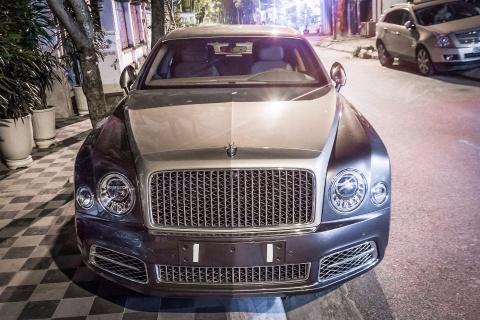 Sedan sieu sang Bentley Mulsanne EWB 2017 dau tien tai HN hinh anh