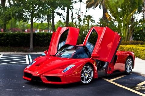 Nhan vien Ferrari thua tien cung khong duoc mua xe tu hang hinh anh
