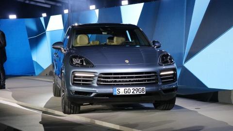 Porsche Cayenne 2018 trinh lang, gia tu 65.700 USD hinh anh 1