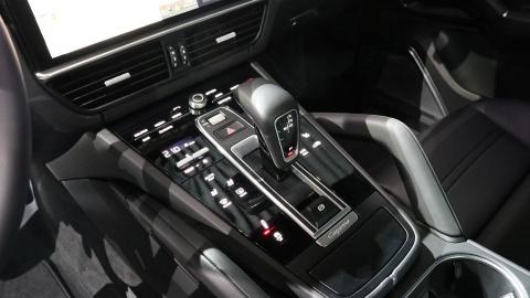 Porsche Cayenne 2018 trinh lang, gia tu 65.700 USD hinh anh 14