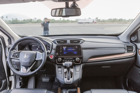 Chi tiet Honda CR-V 7 cho voi hang loat trang bi moi tai VN hinh anh 7