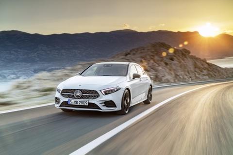 Mercedes-Benz A-Class 2018 thay doi dien mao, len ke thang 3 hinh anh 1