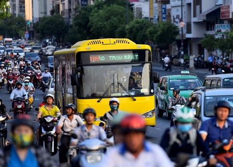 25 tuyen xe buyt thay doi lich trinh do xay ga Ben Thanh hinh anh