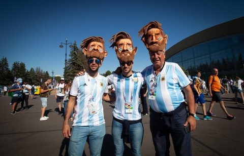 Fan Argentina cuong nhiet truoc tran quyet dau voi Nigeria hinh anh 1