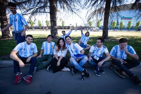 Fan Argentina cuong nhiet truoc tran quyet dau voi Nigeria hinh anh 4