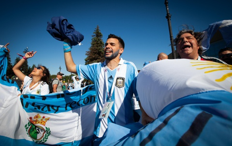 Fan Argentina cuong nhiet truoc tran quyet dau voi Nigeria hinh anh 7